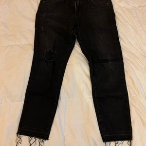 AG The Stilt Crop distressed jeans